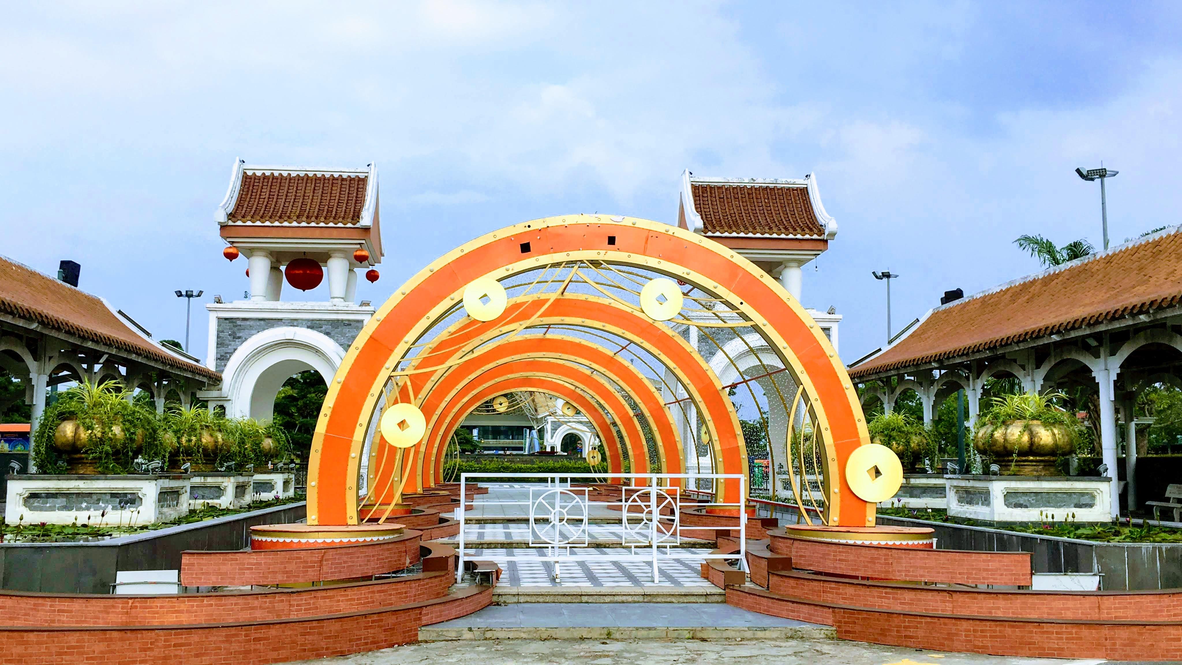 Các điểm du lịch nức tiếng Đà Nẵng trước kì nghỉ lễ 30/4 và 1/5 - Ảnh 20.
