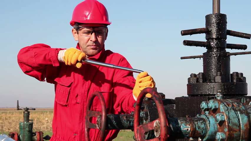 Ngành công nghiệp dầu đá phiến của Mỹ đứng trước nguy cơ sụp đổ, Nhà Trắng đang làm gì? - Ảnh 2.