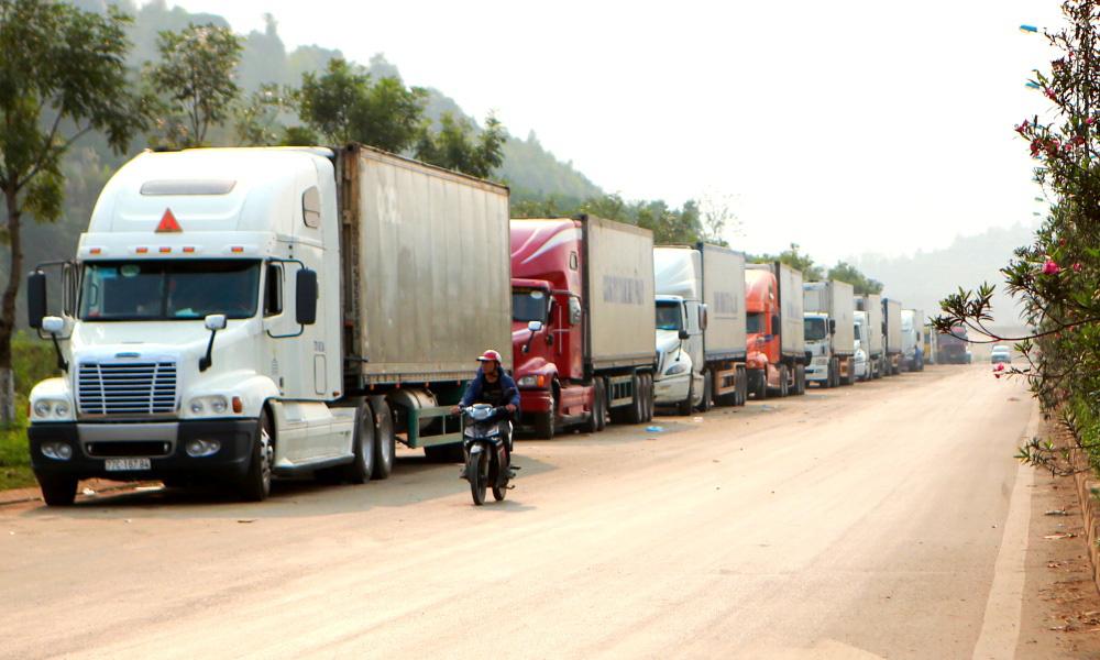 Sau thông báo tạm ngưng thông quan 5 ngày, Trung Quốc bất ngờ mở lại cửa khẩu Tân Thanh - Ảnh 1.