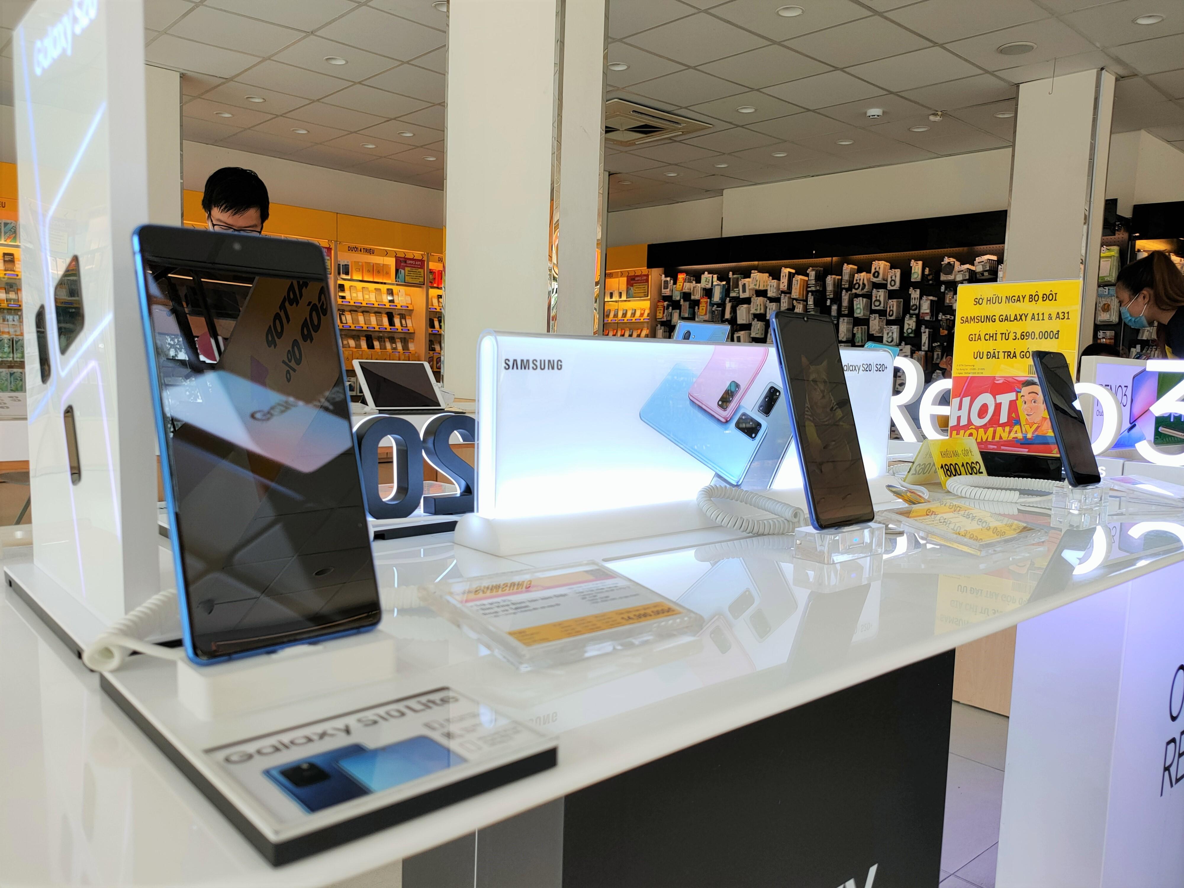 Điện thoại giảm giá: iPhone và Android có nhiều biến động - Ảnh 1.