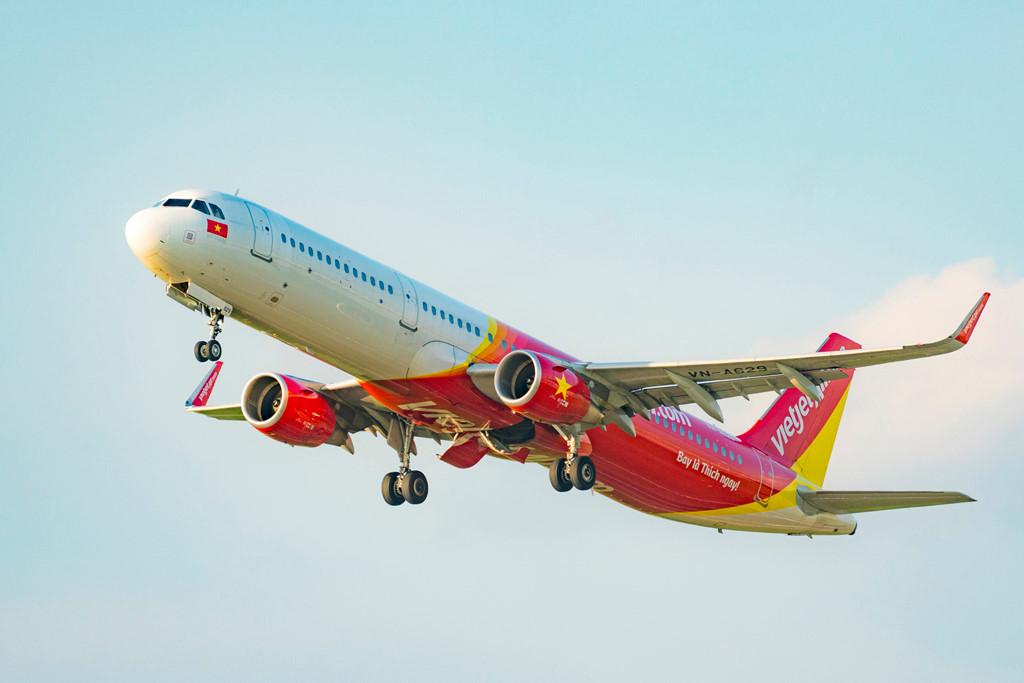 Vietjet Air mở bán giá vé cho các chặng nội địa chỉ từ 18 nghìn đồng - Ảnh 1.