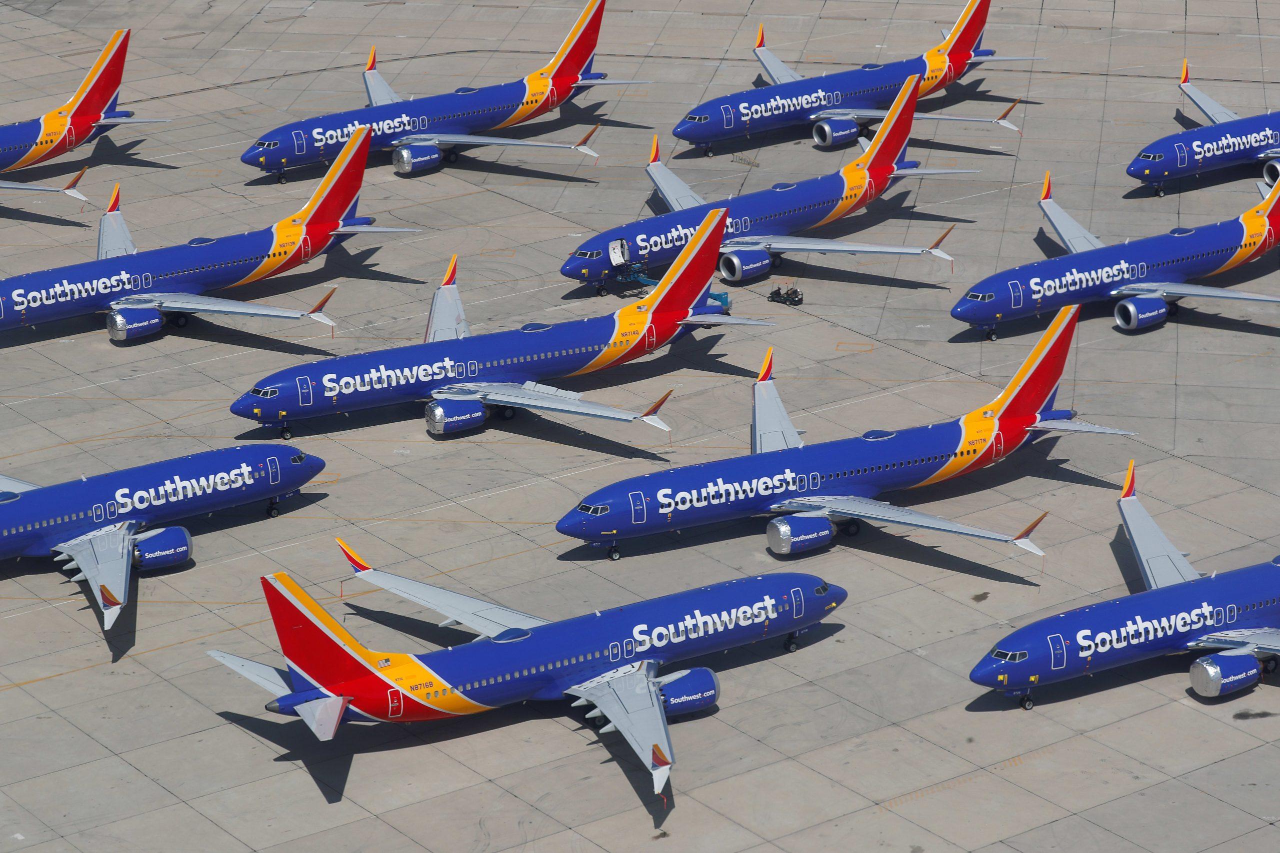 Khách 'chưa dám' bay, kinh doanh hàng không vốn đã chật vật sẽ còn tồi tệ hơn - Ảnh 4.