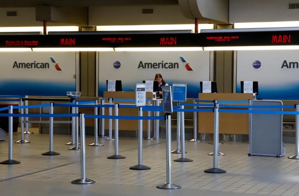 Khách 'chưa dám' bay, kinh doanh hàng không vốn đã chật vật sẽ còn tồi tệ hơn - Ảnh 3.
