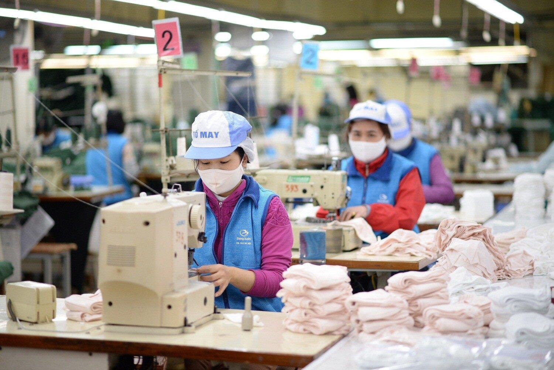 670.000 lao động bị mất việc trong 4 tháng đầu năm do Covid-19 - Ảnh 3.