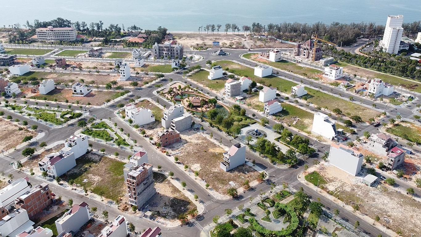 Vụ 'biến' sân golf Phan Thiết thành Khu đô thị: Đất 'vàng' định giá thấp, ngân sách thất thu hàng nghìn tỉ đồng - Ảnh 2.