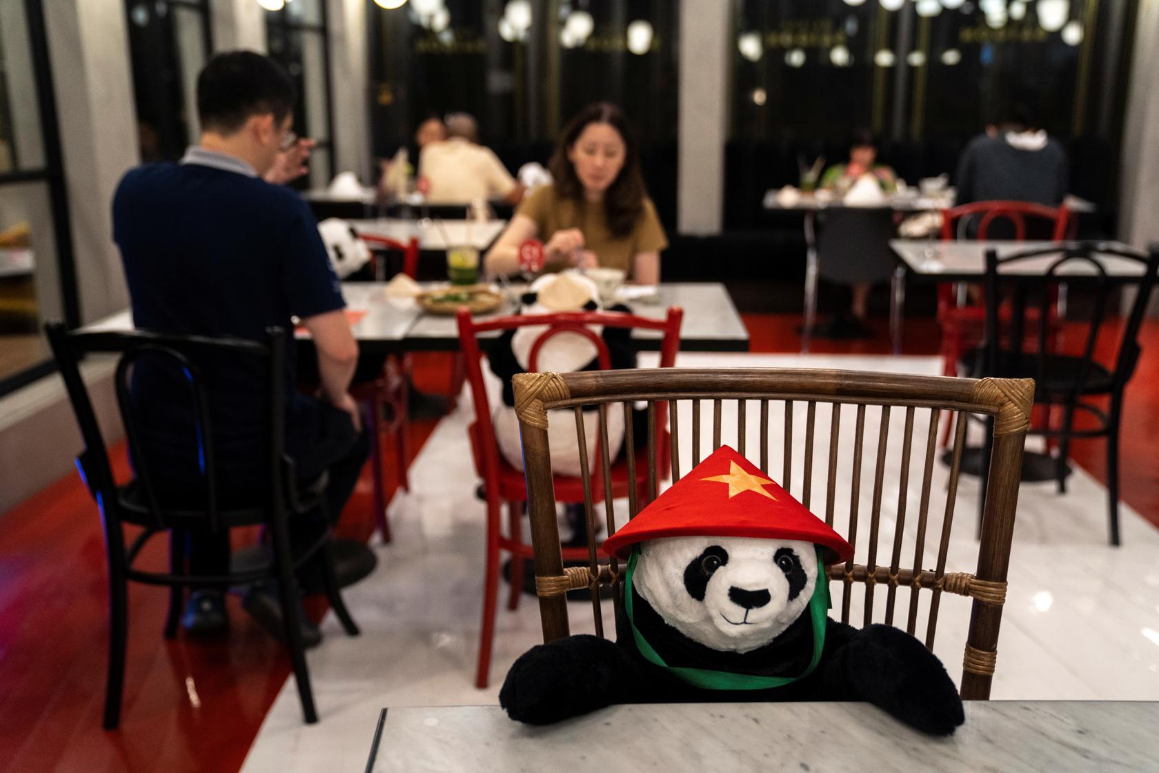 Nhà hàng Việt tại Thái Lan 'tung chiêu' độc lạ thu hút thực khách - Ảnh 3.