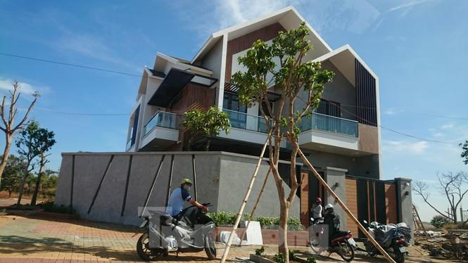 Bất lực trước nhiều biệt thự xây trái phép trên đất nông nghiệp - Ảnh 2.