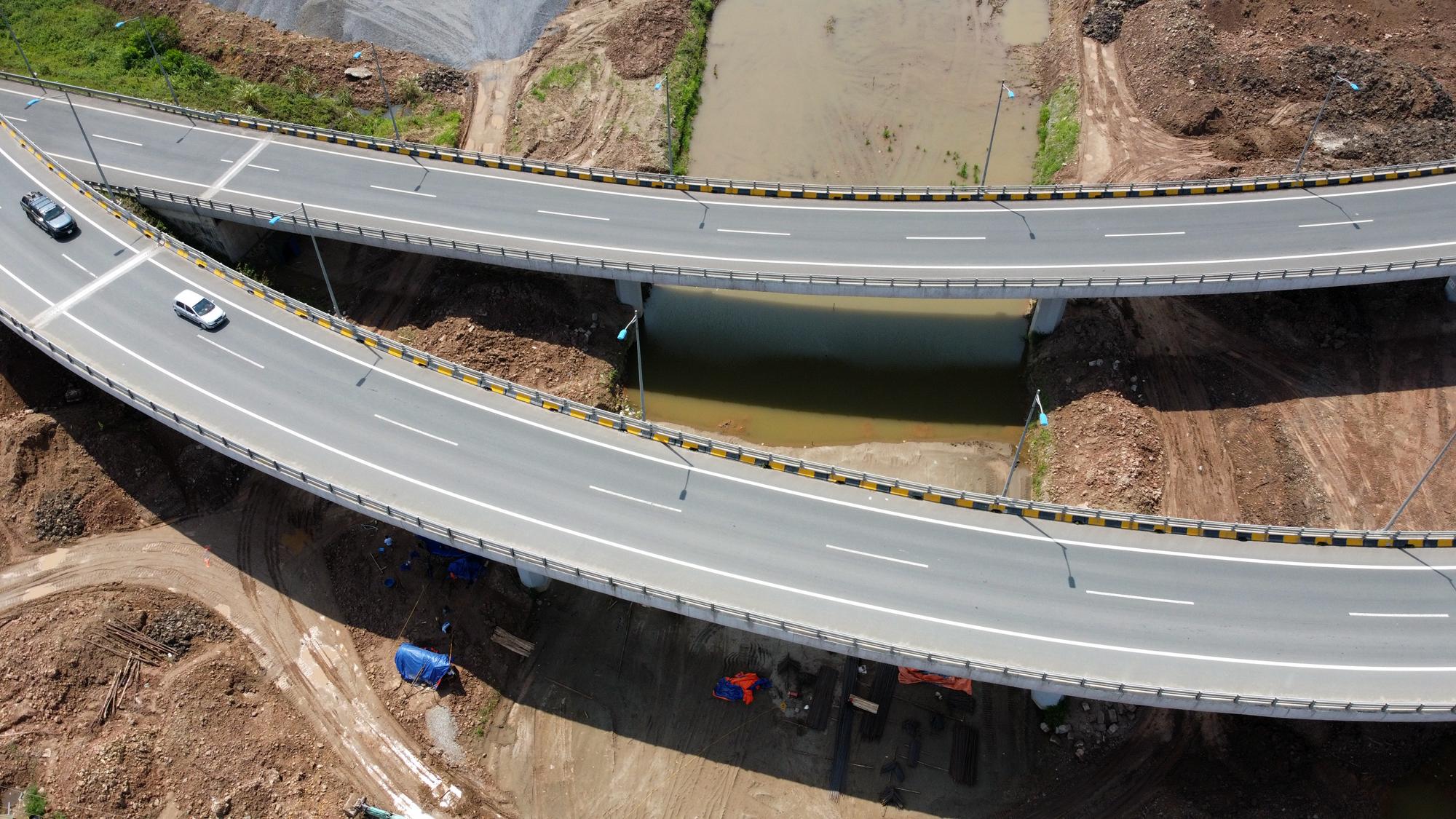 Toàn cảnh dự án xây dựng nút giao Vành đai 3 với cao tốc Hà Nội - Hải Phòng - Ảnh 11.