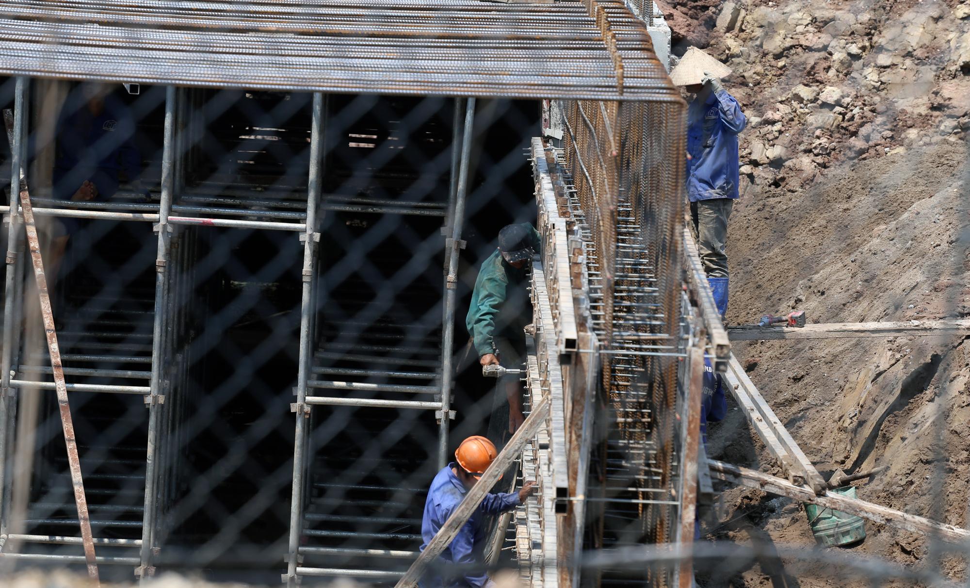 Toàn cảnh dự án xây dựng nút giao Vành đai 3 với cao tốc Hà Nội - Hải Phòng - Ảnh 14.