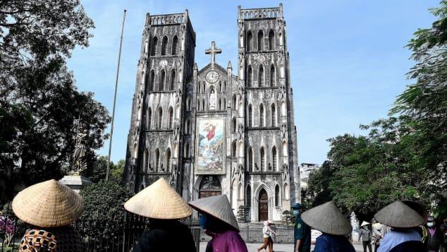 Nhà báo Mỹ viết về cuộc sống sau cách li tại Hà Nội: Thành phố tràn ngập tiếng cười khi nhịp sống được nối lại - Ảnh 3.