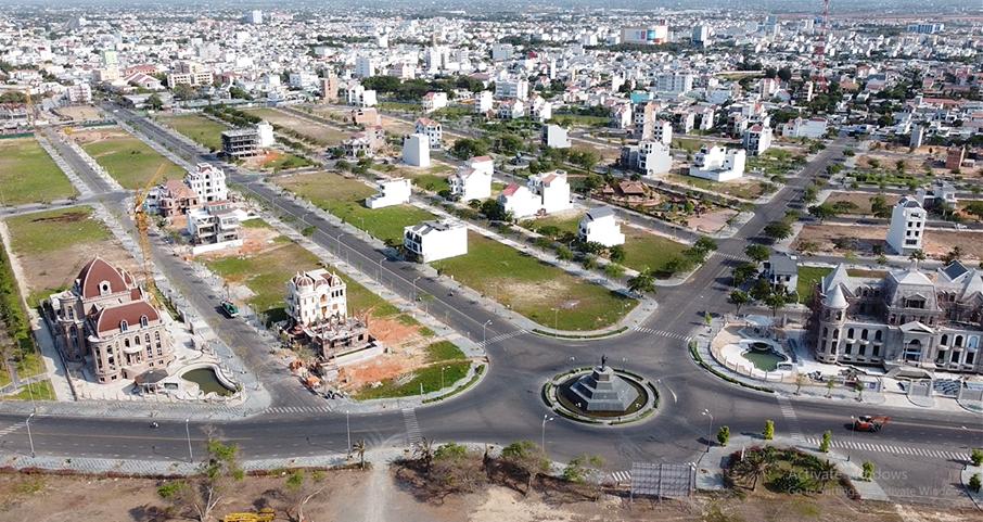 Vụ 'biến' sân golf Phan Thiết thành Khu đô thị: Đất 'vàng' định giá thấp, ngân sách thất thu hàng nghìn tỉ đồng - Ảnh 1.