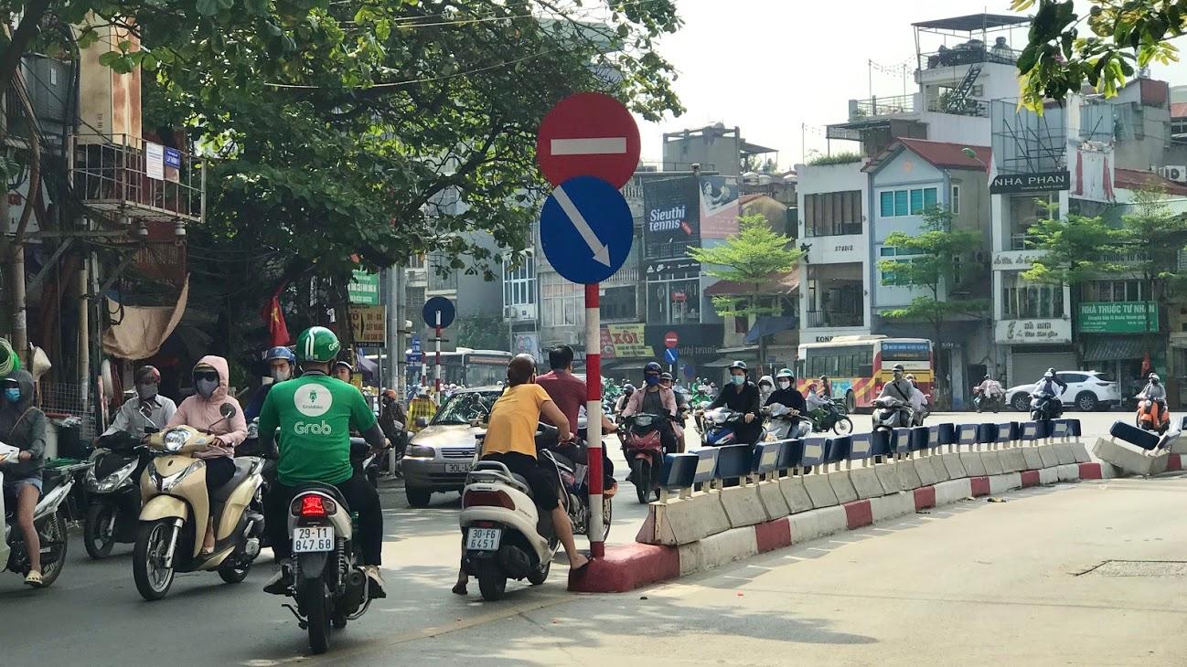 Nút giao thông dễ bị phạt ở Hà Nội: Phương tiện lưu thông qua Ngã bảy Ô Chợ Dừa cần lưu ý gì? - Ảnh 5.