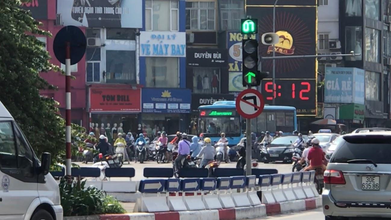 Nút giao thông dễ bị phạt ở Hà Nội: Giải mã 'ma trận' Ngã bảy Ô Chợ Dừa - Ảnh 4.