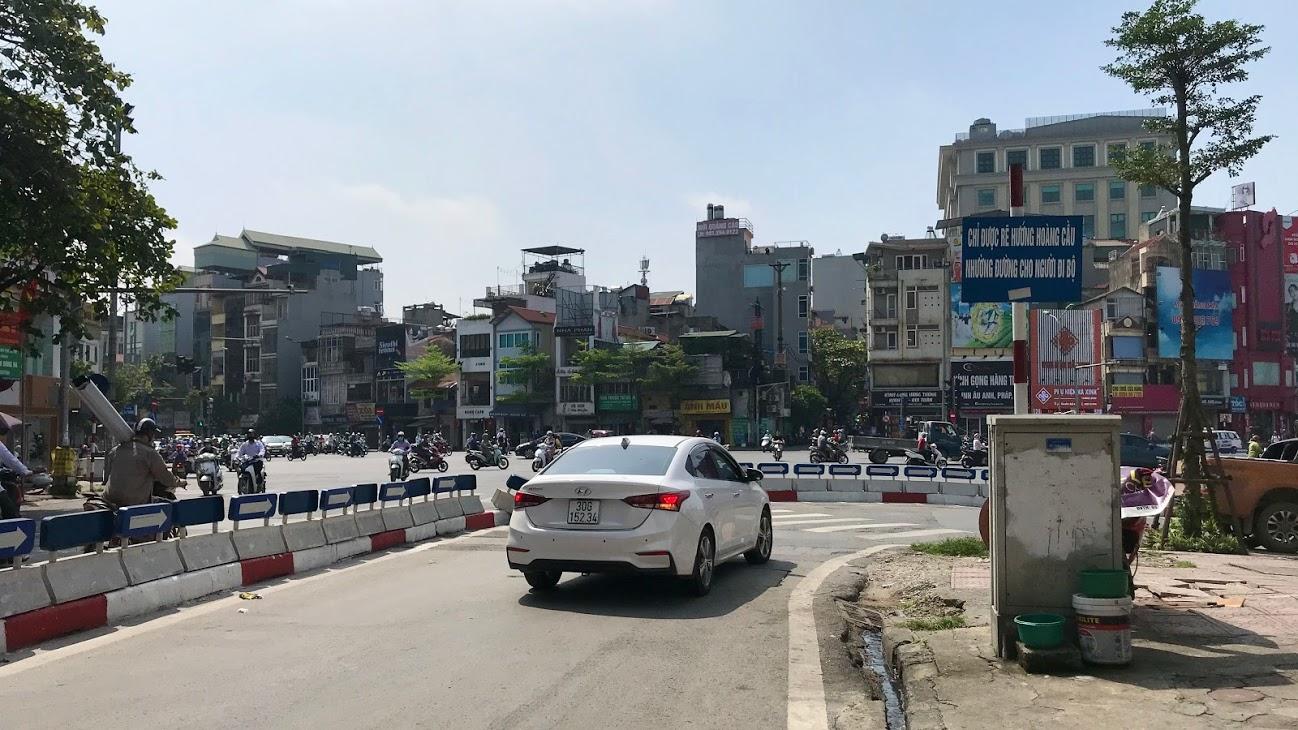 Nút giao thông dễ bị phạt ở Hà Nội: Phương tiện lưu thông qua Ngã bảy Ô Chợ Dừa cần lưu ý gì? - Ảnh 4.