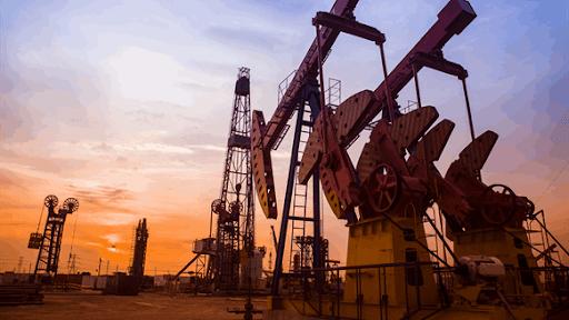 Giá xăng dầu hôm nay 21/5: Nhích nhẹ khi sản lượng tiếp tục giảm  - Ảnh 1.