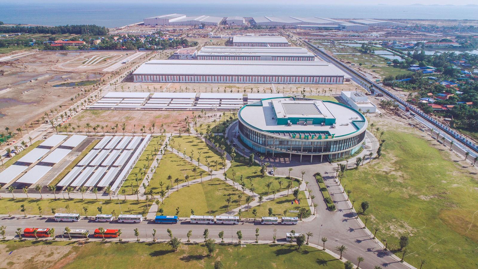 BĐS công nghiệp hậu Covid-19: Tỉ lệ lấp đầy ở những KCN có kết nối tốt với các cụm cảng biển quan trọng sẽ tăng nhanh chóng - Ảnh 2.