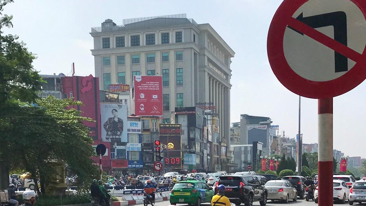 Nút giao thông dễ bị phạt ở Hà Nội: Giải mã 'ma trận' Ngã bảy Ô Chợ Dừa - Ảnh 2.
