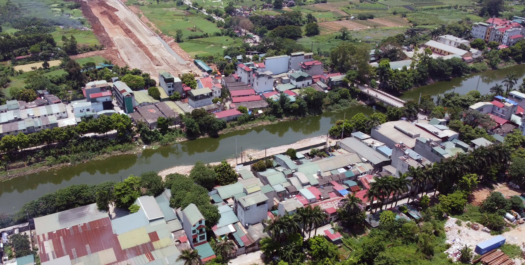 Soi tiến độ đường Tây Thăng Long từ Phạm Văn Đồng đến Văn Tiến Dũng - Ảnh 12.