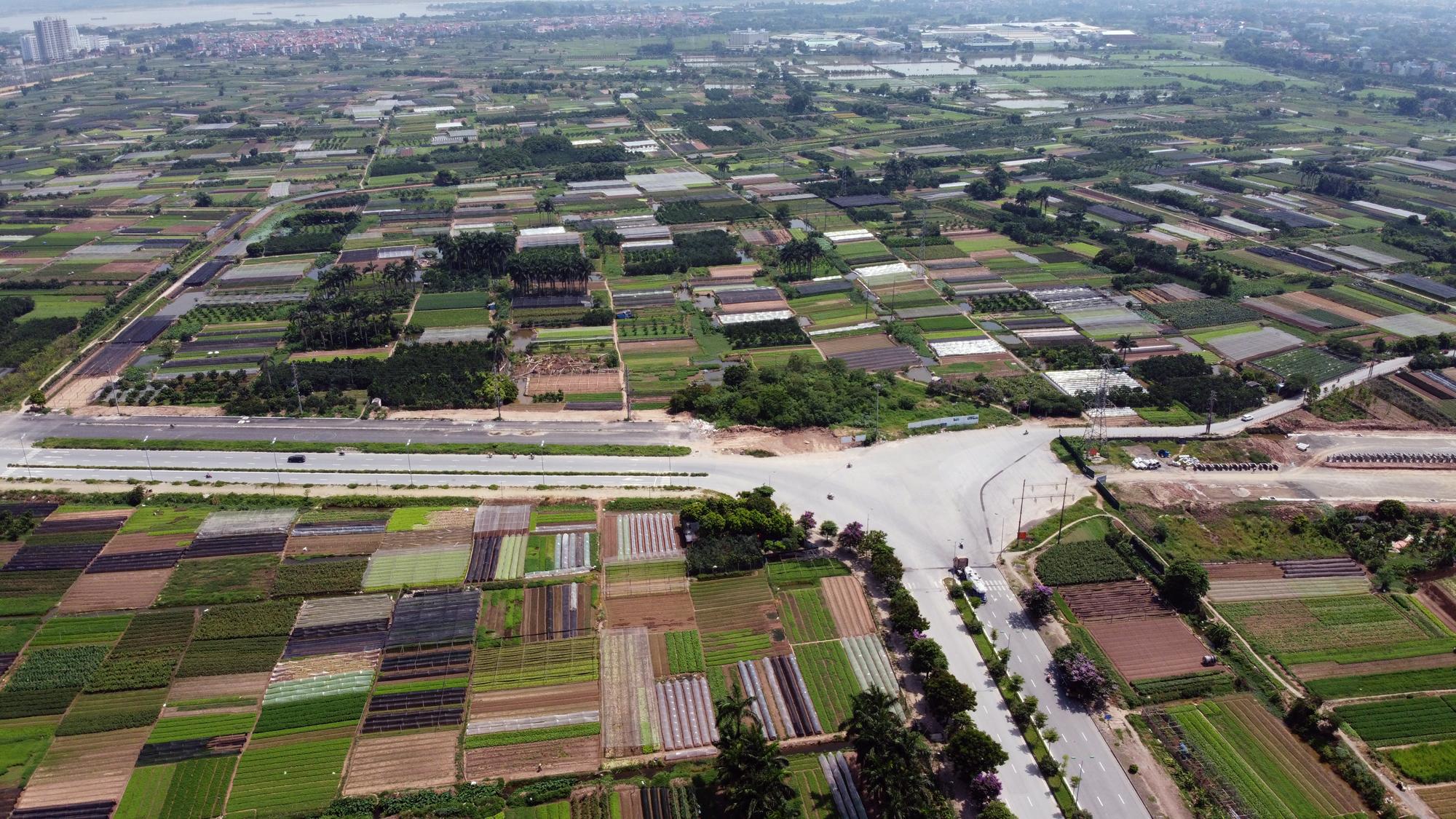 Soi tiến độ đường Tây Thăng Long từ Phạm Văn Đồng đến Văn Tiến Dũng - Ảnh 2.