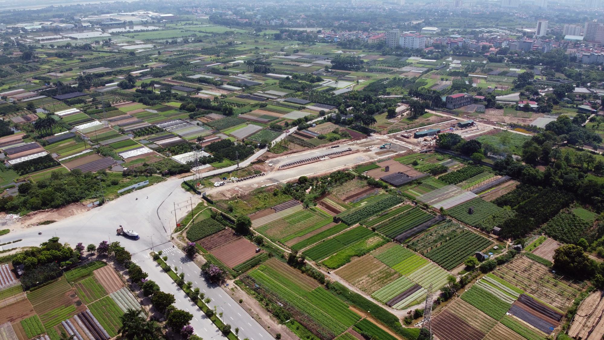 Soi tiến độ đường Tây Thăng Long từ Phạm Văn Đồng đến Văn Tiến Dũng - Ảnh 3.