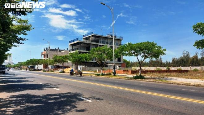 Cận cảnh các khu đất 'có yếu tố nước ngoài' ven biển, sân bay ở Đà Nẵng - Ảnh 10.
