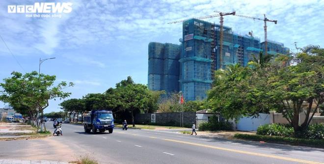 Cận cảnh các khu đất 'có yếu tố nước ngoài' ven biển, sân bay ở Đà Nẵng - Ảnh 3.