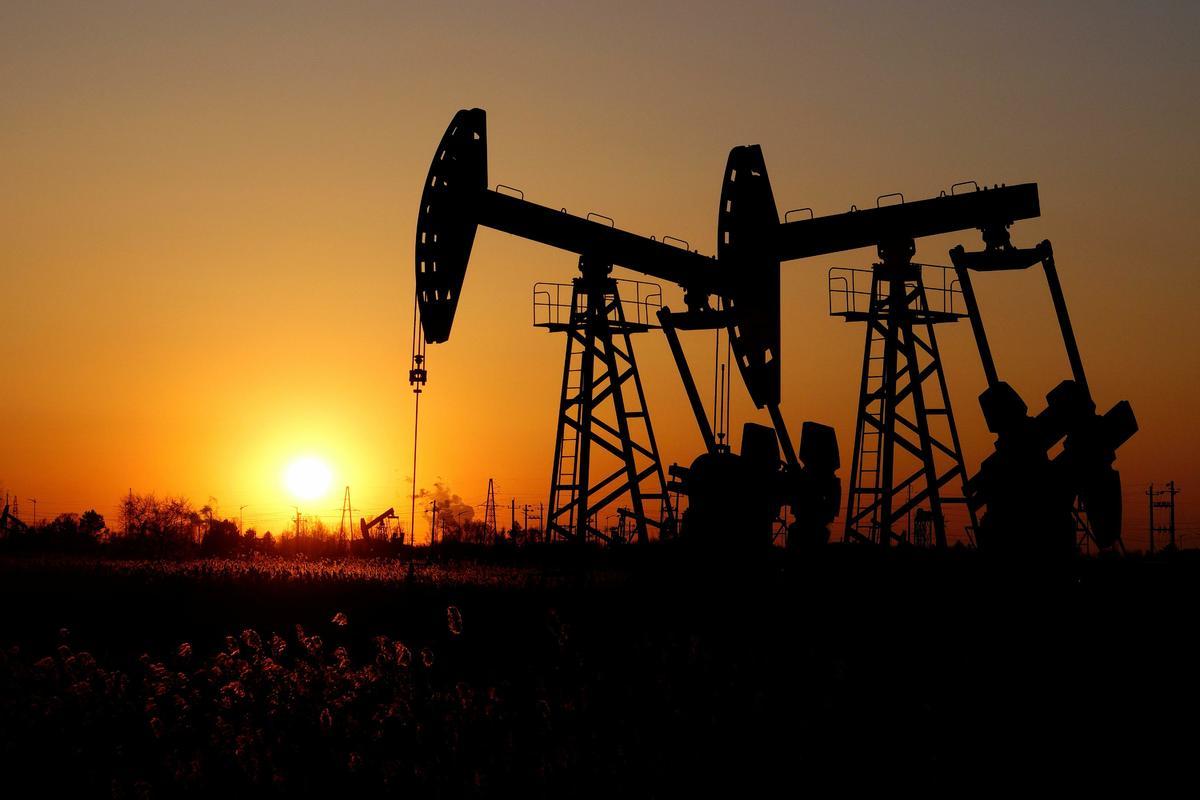 Giá xăng dầu hôm nay 22/5: Đà tăng trưởng kéo dài, nhiên liệu lên ngưỡng cao  - Ảnh 1.