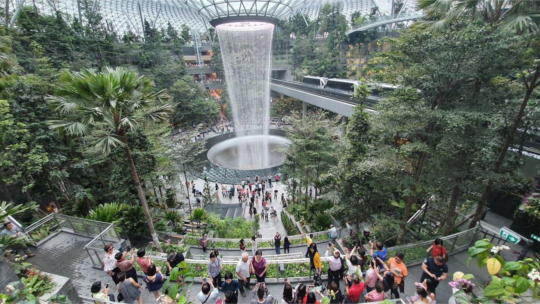 Du khách nước ngoài được phép quá cảnh qua sân bay quốc tế Changi của Singapore - Ảnh 1.