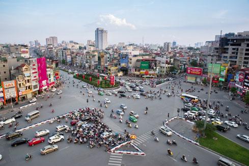 Nút giao thông dễ bị phạt ở Hà Nội: Giải mã 'ma trận' ngã 7 Ô Chợ Dừa - Ảnh 2.