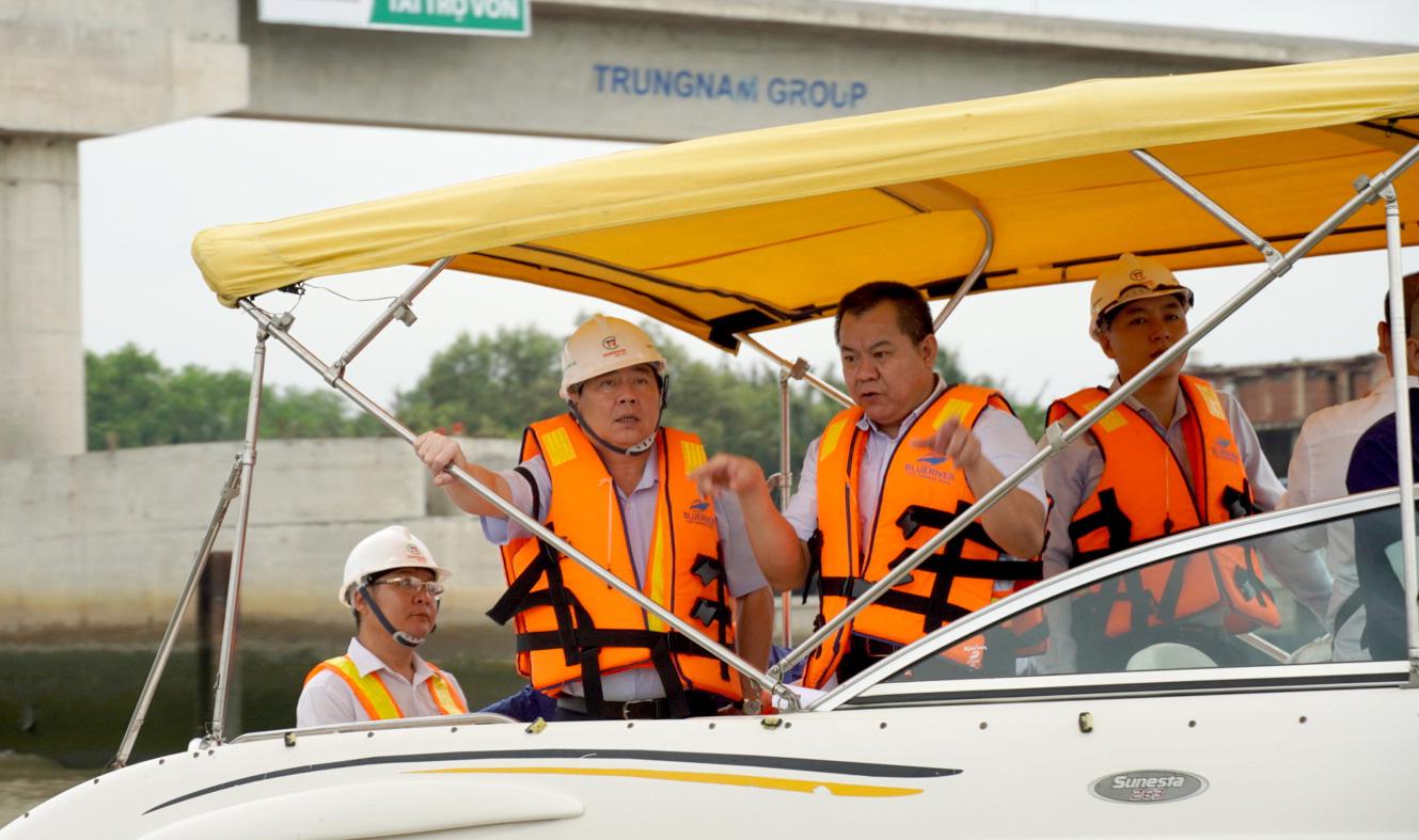 Chủ tịch UBND TP HCM thị sát dự án chống ngập 10.000 tỉ đồng - Ảnh 3.