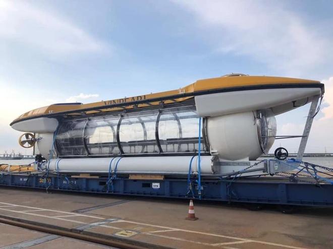 Tàu ngầm Vingroup đặt mua xuất hiện tại Nha Trang - Ảnh 2.