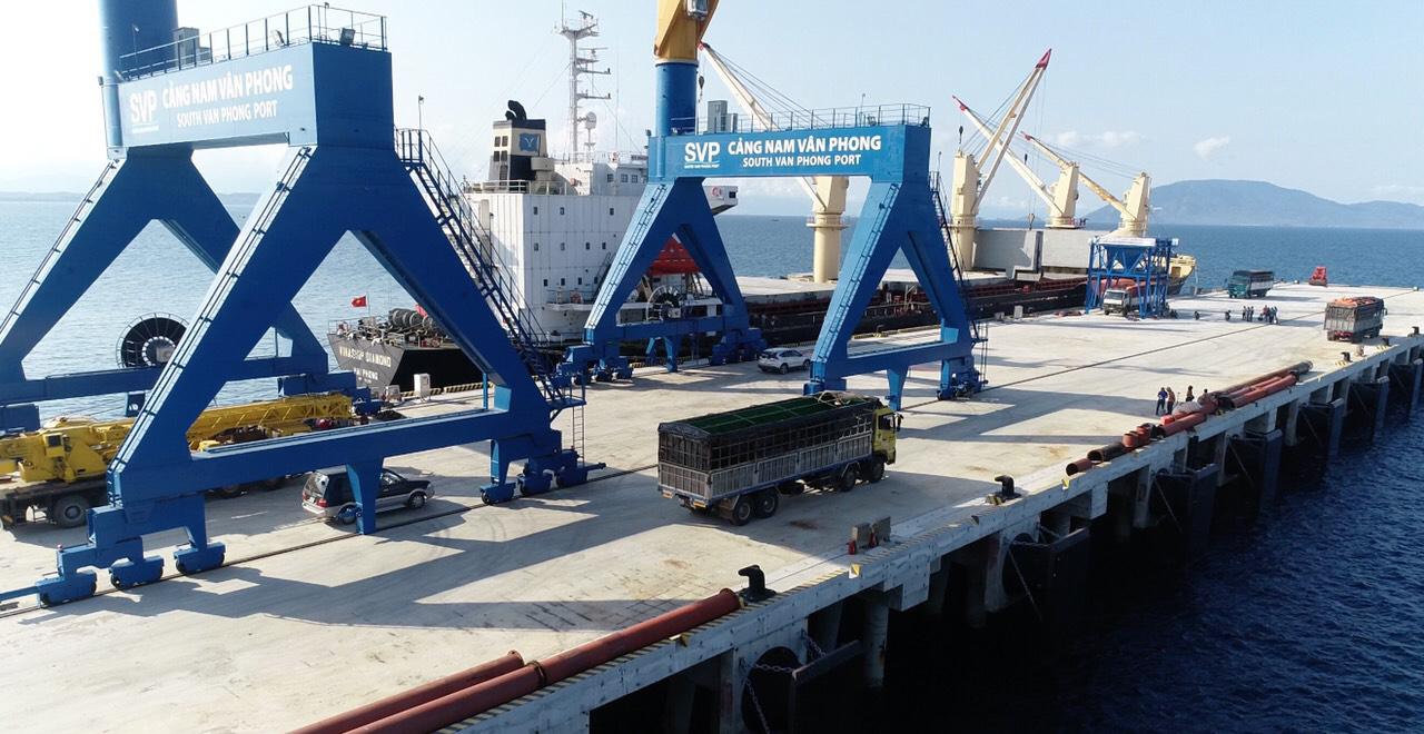 Cận cảnh cảng biển nghìn tỉ trong Khu kinh tế Vân Phong  - Ảnh 8.
