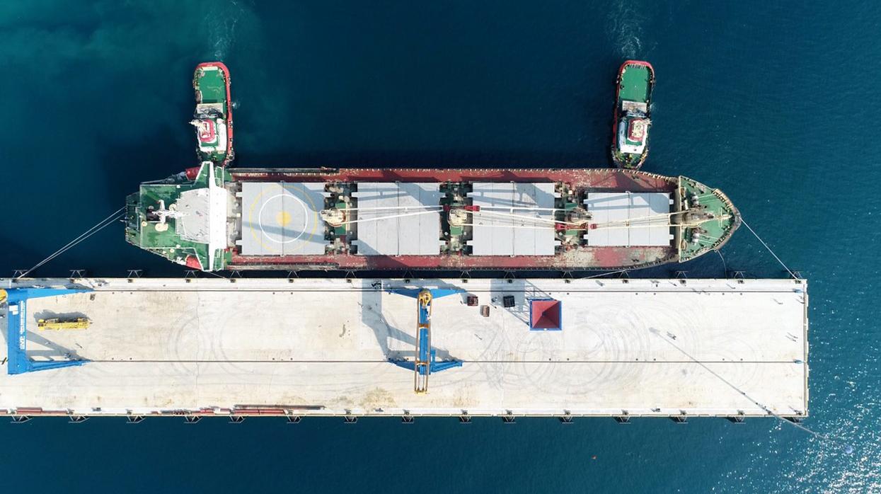 Cận cảnh cảng biển nghìn tỉ trong Khu kinh tế Vân Phong  - Ảnh 11.