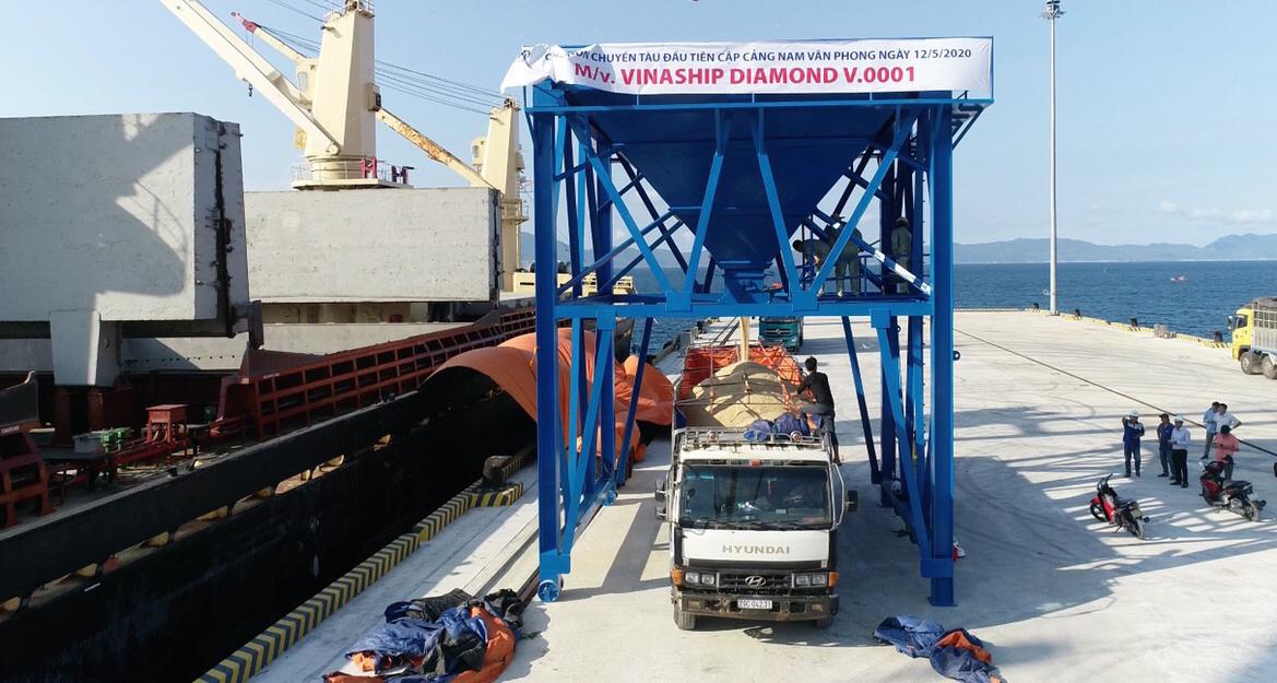 Cận cảnh cảng biển nghìn tỉ trong Khu kinh tế Vân Phong  - Ảnh 6.