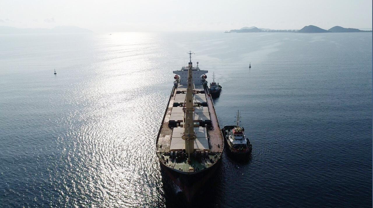 Cận cảnh cảng biển nghìn tỉ trong Khu kinh tế Vân Phong  - Ảnh 3.