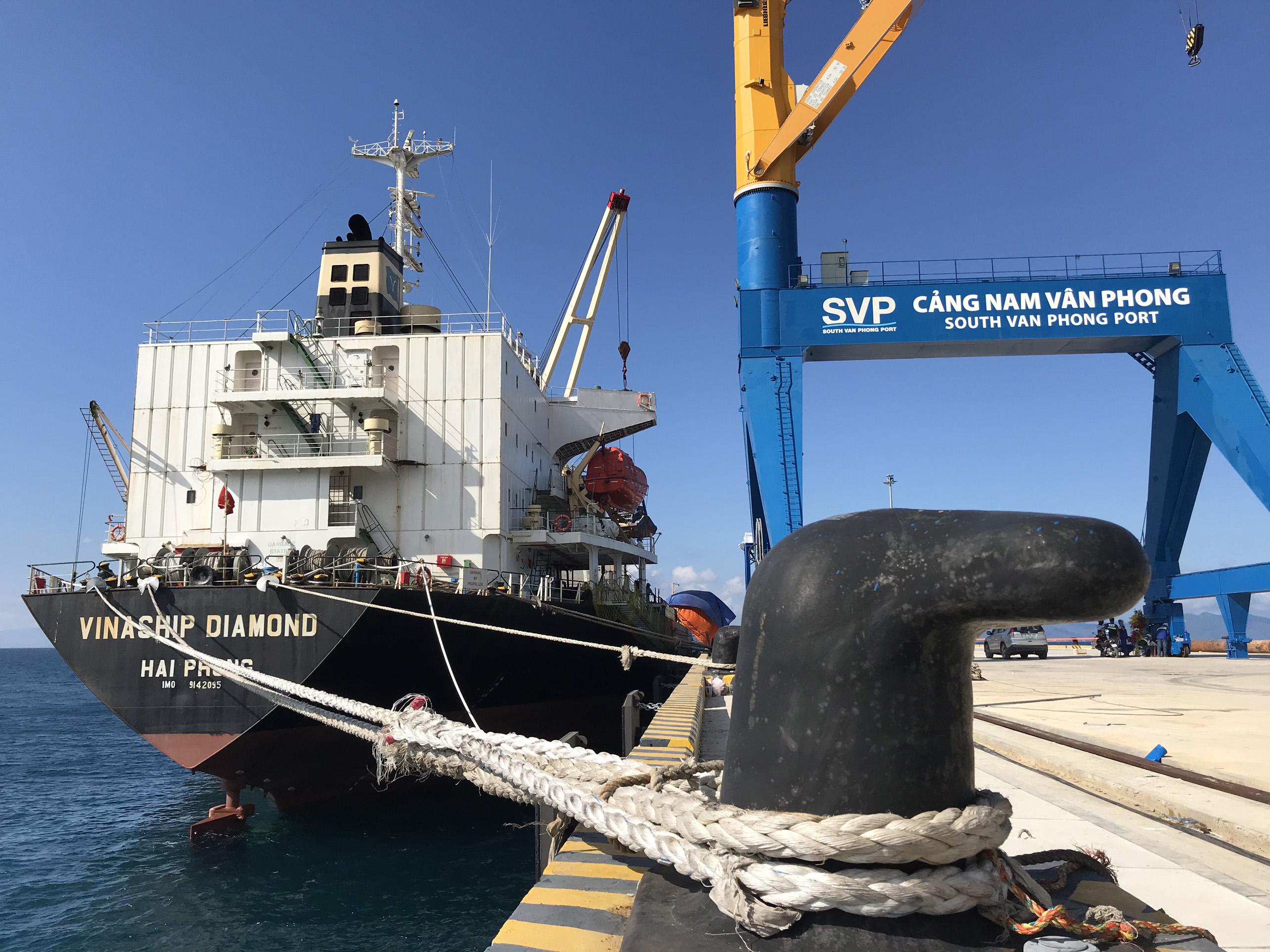 Cận cảnh cảng biển nghìn tỉ trong Khu kinh tế Vân Phong  - Ảnh 9.