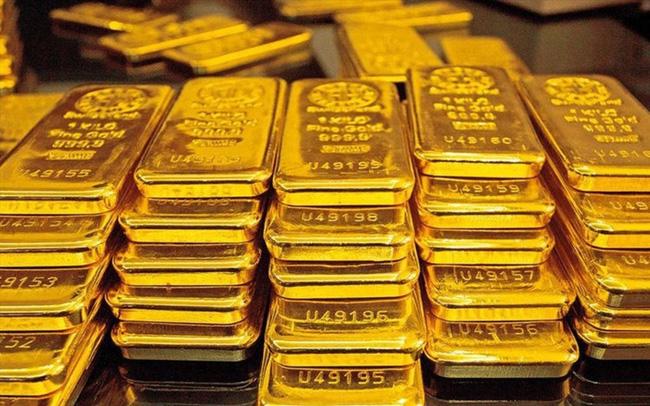 Giá vàng hôm nay 24/5: Neo giá ngưỡng cao, chờ tín hiệu tuần mới - Ảnh 2.