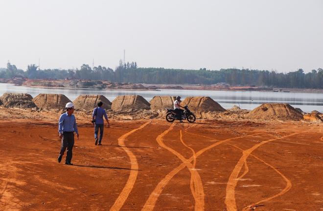 Ngư dân bị chặn đường đánh bắt vì dự án lấp vịnh làm khu đô thị - Ảnh 2.