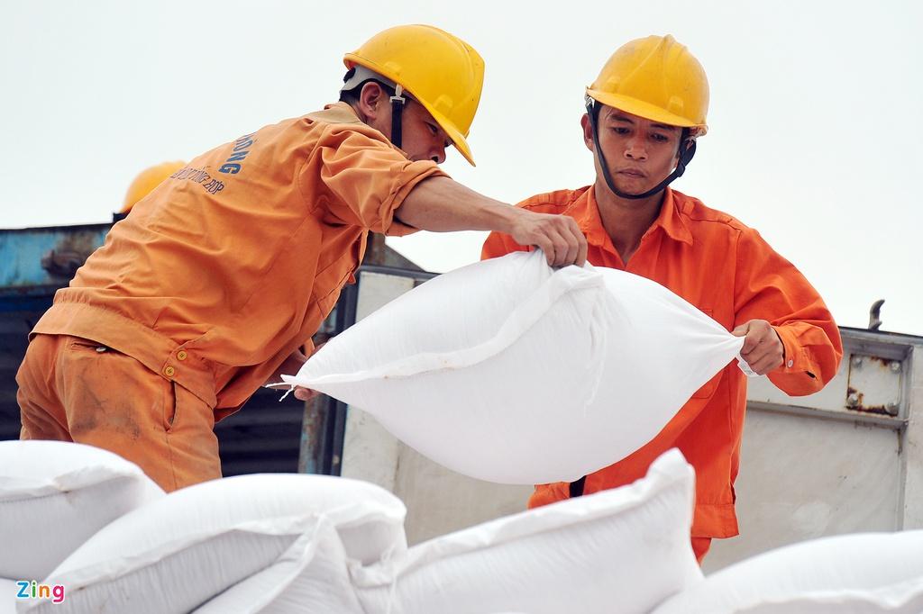 Chuyên gia Mỹ khuyên Việt Nam sẵn sàng chặn 'sóng' đầu tư xấu - Ảnh 1.