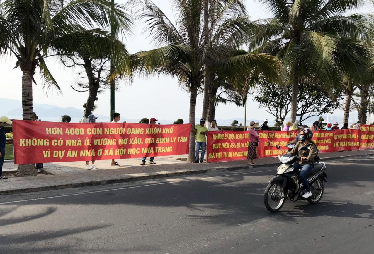Khánh Hòa: Người mua NOXH Hoàng Quân phản đối chủ đầu tư thu tiền đặt cọc vượt quá 50% giá trị nhà ở cho thuê - Ảnh 1.