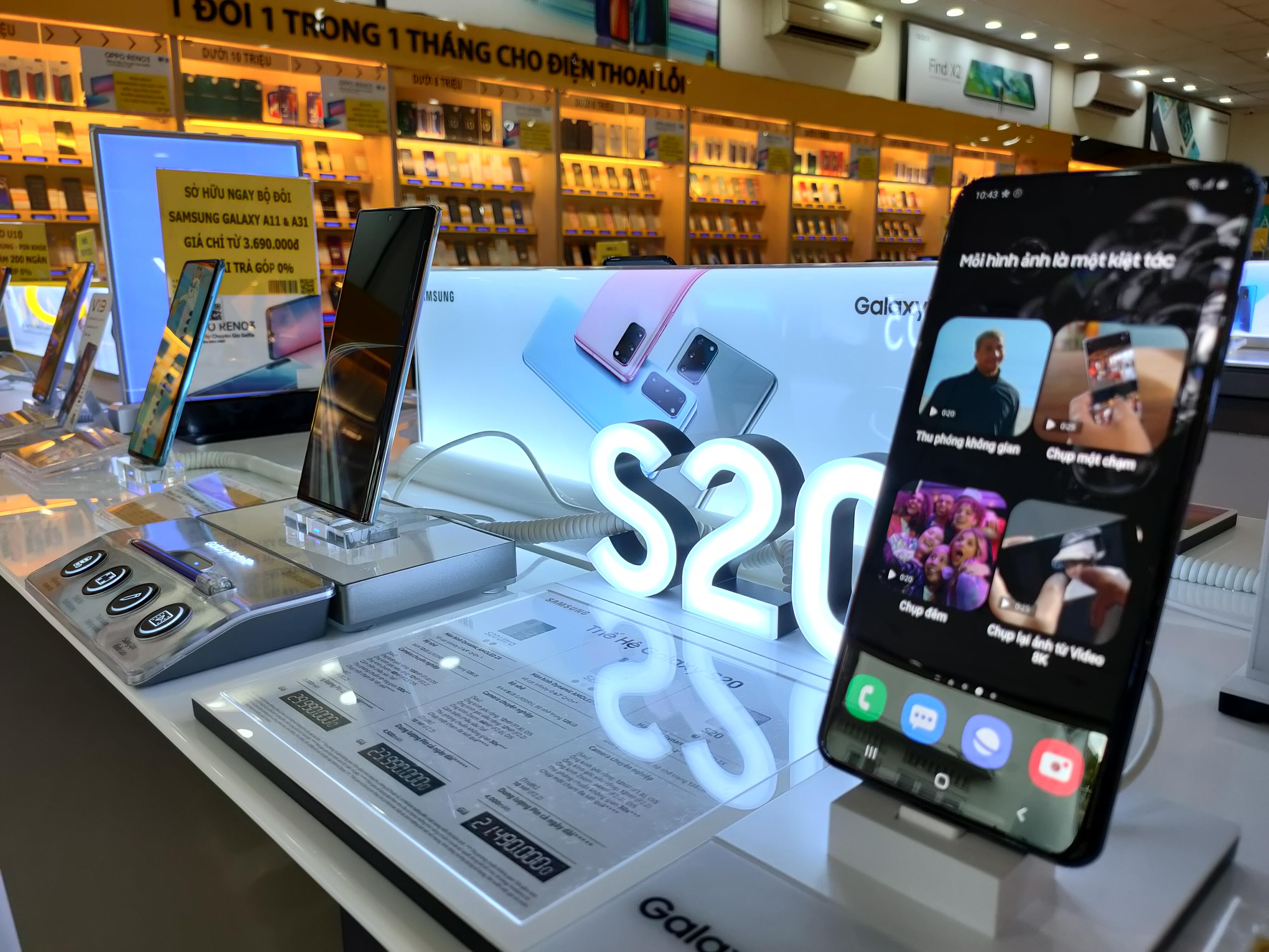 Android và iPhone tiếp tục biến động trong chương trình điện thoại giảm giá - Ảnh 1.