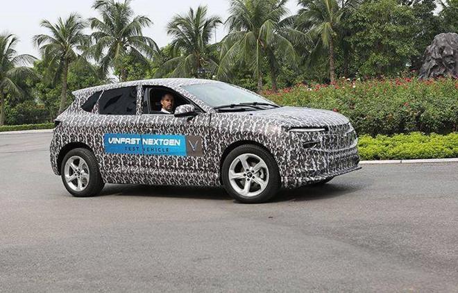 Lộ diện ô tô điện đầu tiên của VinFast trên đường chạy thử, dự kiến ra mắt vào tháng 11/2020 tại Mỹ - Ảnh 1.