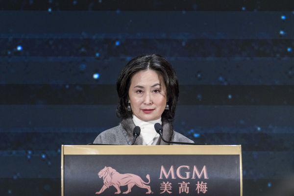 Pansy Ho, con gái của Vua sòng bạc Macau Stanley Ho, mới là người xứng đáng kế thừa đế chế sòng bạc - Ảnh 1.