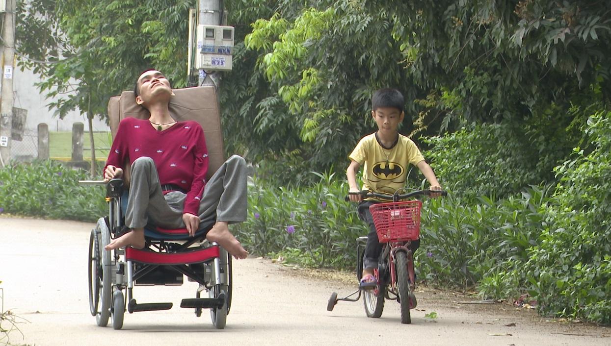Vươn lên từ nghịch cảnh, chàng trai Hưng Yên lập nên 'Mái ấm tình thương' - Ảnh 1.