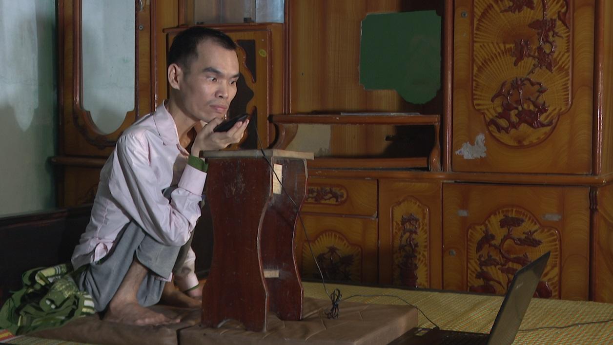 Vươn lên từ nghịch cảnh, chàng trai Hưng Yên lập nên 'Mái ấm tình thương' - Ảnh 2.
