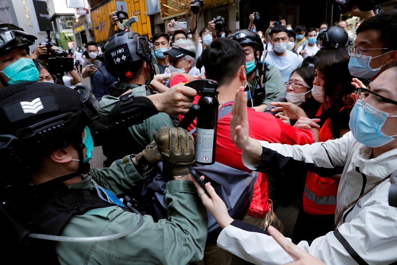 Giới kinh doanh Mỹ khuyên Tổng thống Trump nên thận trọng với Trung Quốc về vấn đề Hong Kong - Ảnh 2.