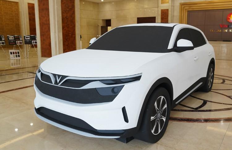 Lộ diện ô tô điện đầu tiên của VinFast trên đường chạy thử, dự kiến ra mắt vào tháng 11/2020 tại Mỹ - Ảnh 2.