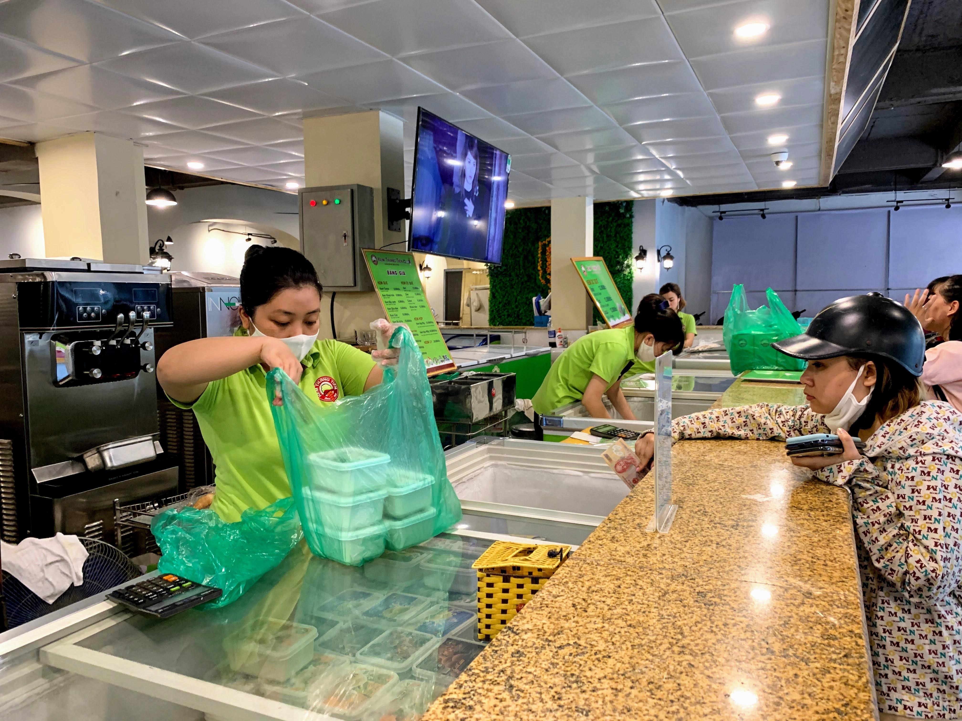 Sau đại dịch, Kem Tràng Tiền chi 10 tỉ đồng để lột xác hoá 'thiên nga' sang chảnh - Ảnh 13.