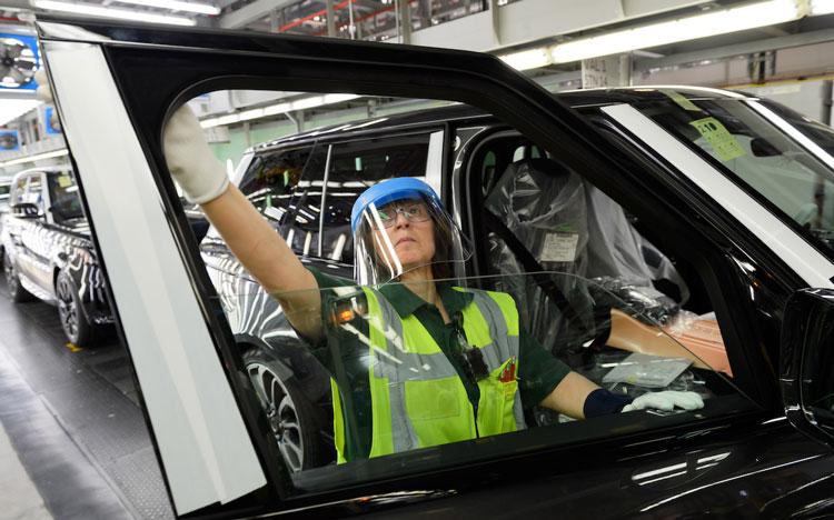 Doanh nghiệp ô tô không thể công bố kế hoạch sản xuất vì Covid-19 - Ảnh 3.