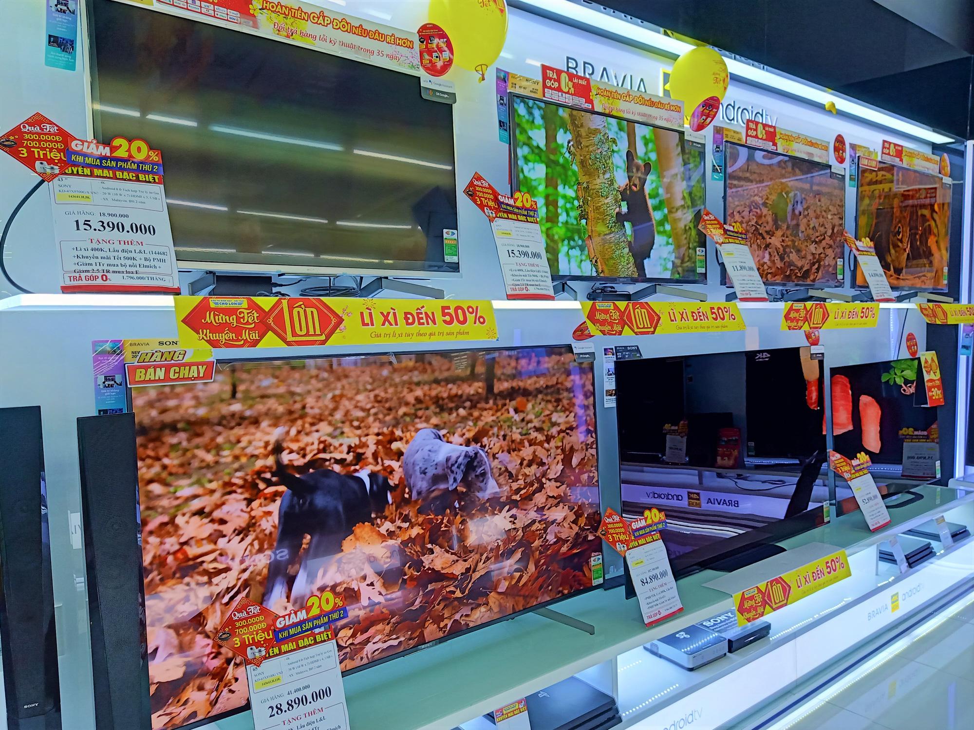 Các chuỗi bán lẻ tiếp tục tung nhiều chương trình tivi giảm giá - Ảnh 3.